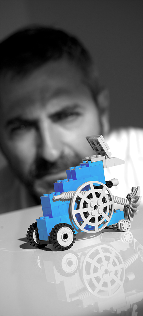 armando blanco y negro y azul cropped